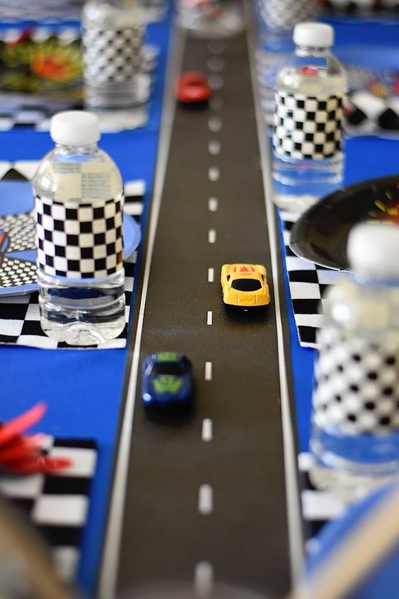 Cars Race Track Tablerunner Idea | Cars Party Ideas | Pretty My Party