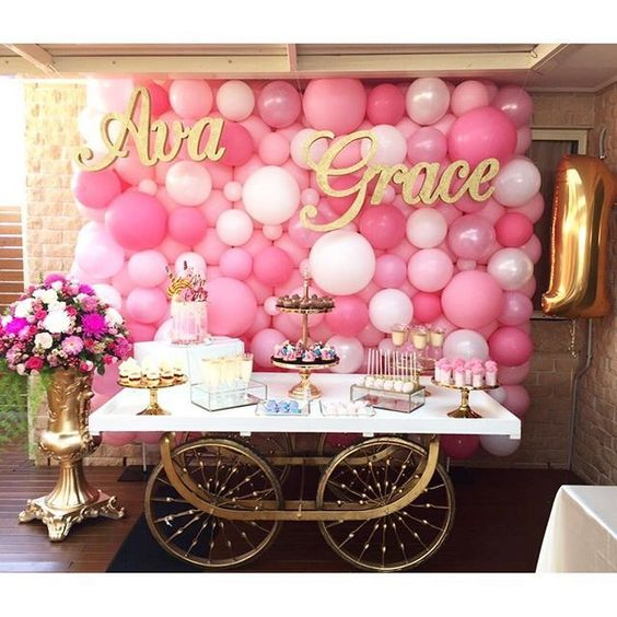 DIY Balloon Backdrop | DIY Balloon Ideas | Pretty My Party