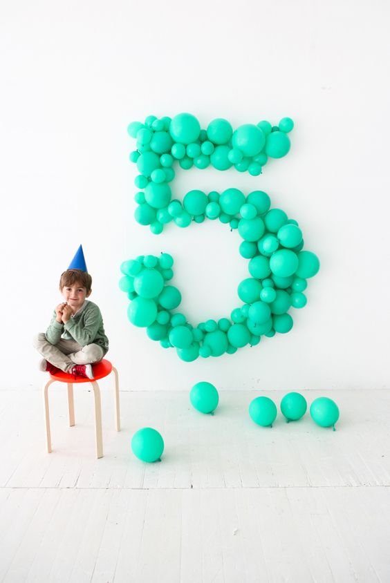 45 Awesome DIY Balloon Decor Ideas