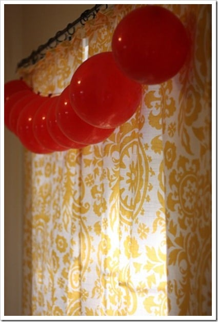 Easy Balloon Garland | DIY Balloon Party Ideas | Pretty My Party