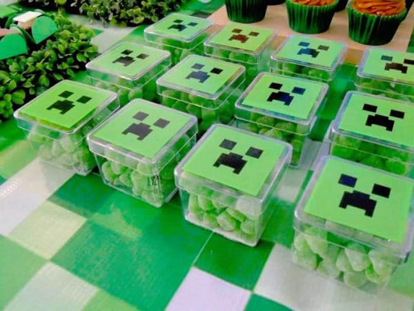 Minecraft Creeper Gumdrop Party Favors | Minecraft Party Ideas