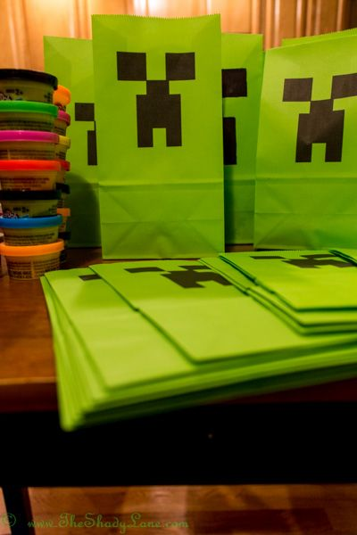Free Printable Creeper Favor Bag Template | Minecraft Party Ideas