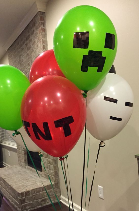 Minecraft Party Balloons | Minecraft Party Ideas | Pretty My Party