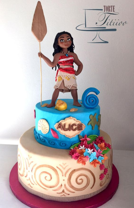 This Moana Cake Features An Incredible Fondant Moana Cake Topper! AMAZING!