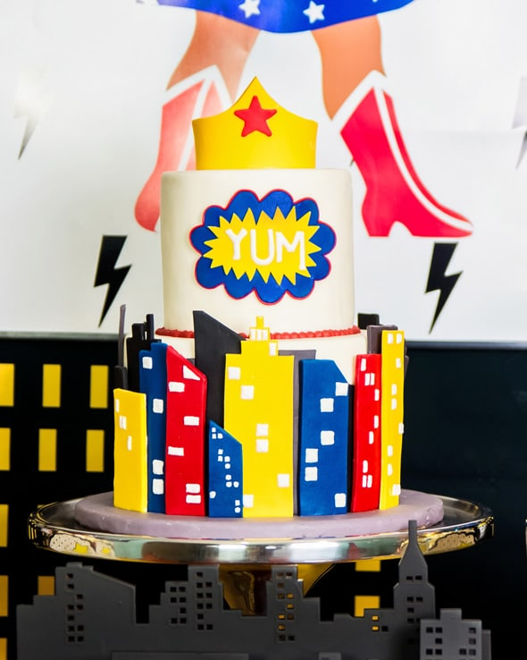 Wonder Woman Birthday Party Cake | Pretty My Party