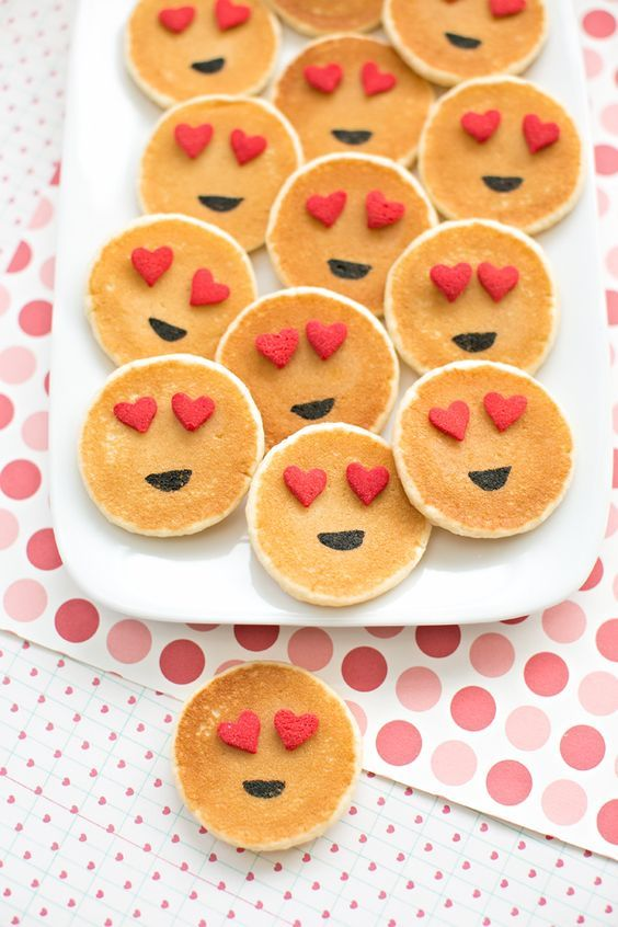 Emoji Pancakes | Emoji Birthday Party Ideas