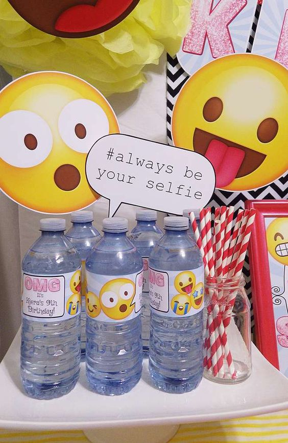 Emoji Photo Props | Emoji Birthday Party Ideas