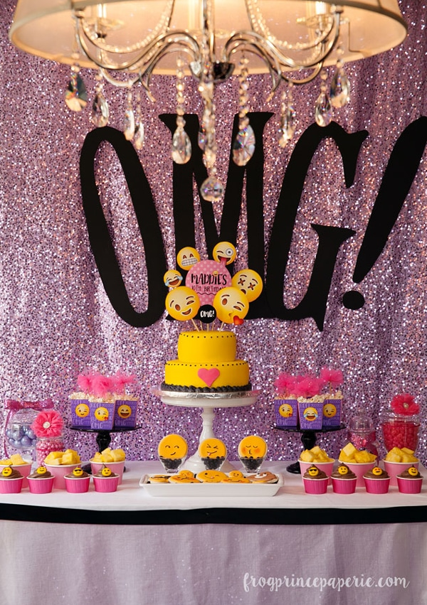 Glam Emoji Dessert Table | Emoji Birthday Party Ideas