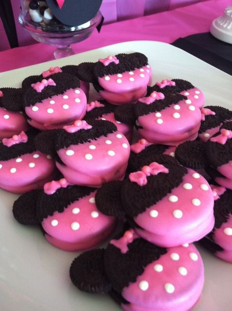 Minnie Mouse Oreo Party Cookies