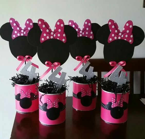 Table Centerpieces With A Minnie Mouse Theme