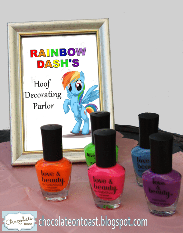 """Hoof"" aka Nail Painting Station 