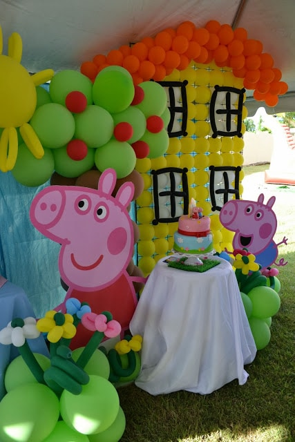 Peppa Pig Birthday Balloon Decorations