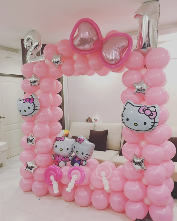 21 hello kitty birthday party ideas pretty my party for Balloon decoration ideas youtube