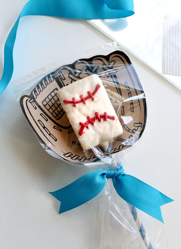 Baseball Rice Krispie Treat Party Favors | Baseball Party Ideas