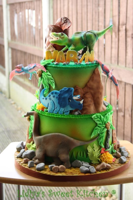 Dinosaur Birthday Cake - Dinosaur Party Ideas