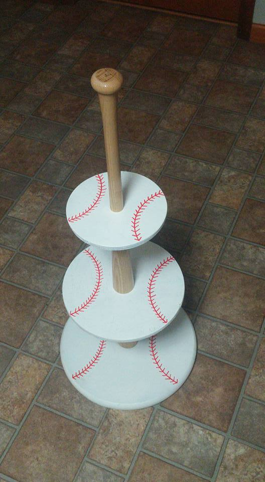DIY Baseball Cupcake Holder | Baseball Party Ideas