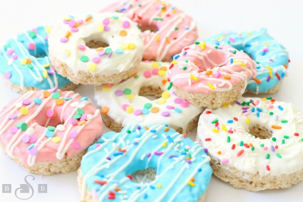 Donut Krispie Treats | Donut Themed Party Ideas