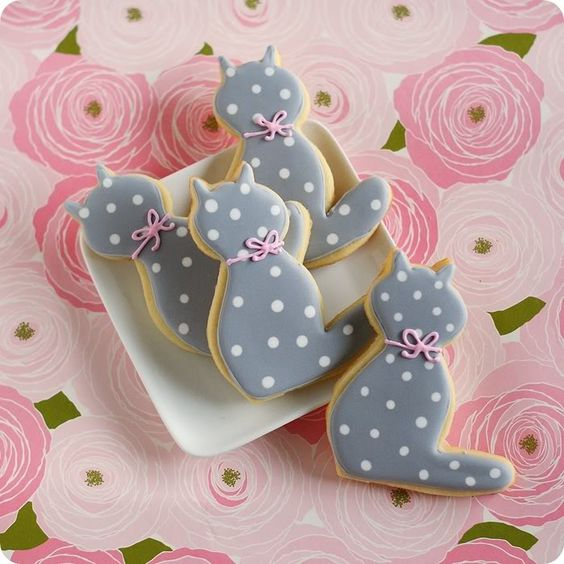 Kitty Polka Dot Cookies | Cat Party Ideas