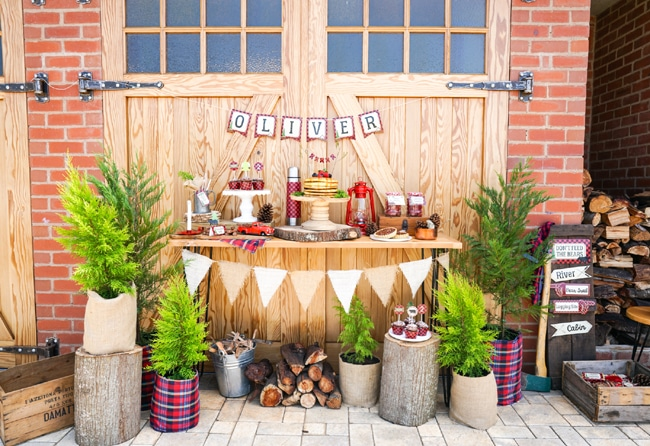 Most popular kids party themes: Little Lumberjack Dessert Table