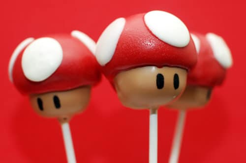 Mario Mushroom Cake Pops | Super Mario Party Ideas