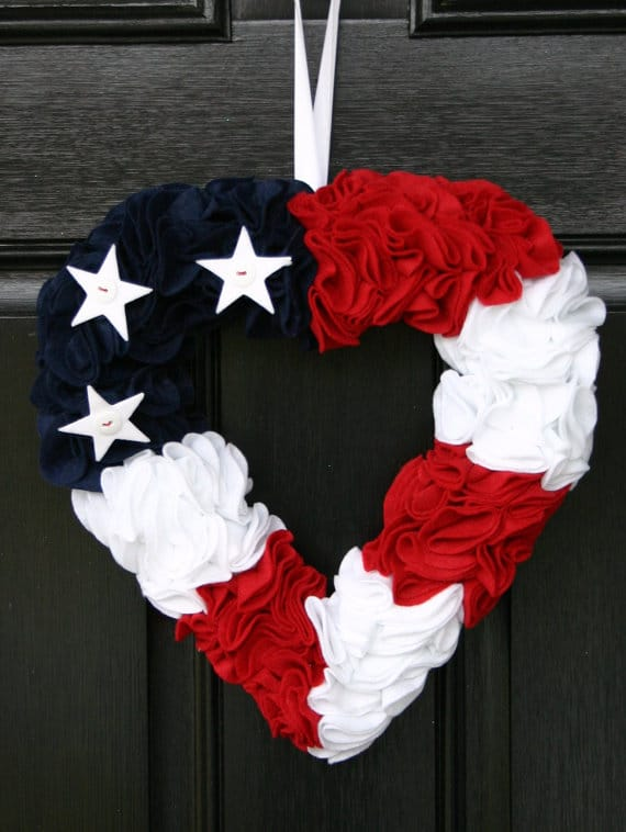Patriotic Felt Heart Wreath | Labor Day Party Ideas