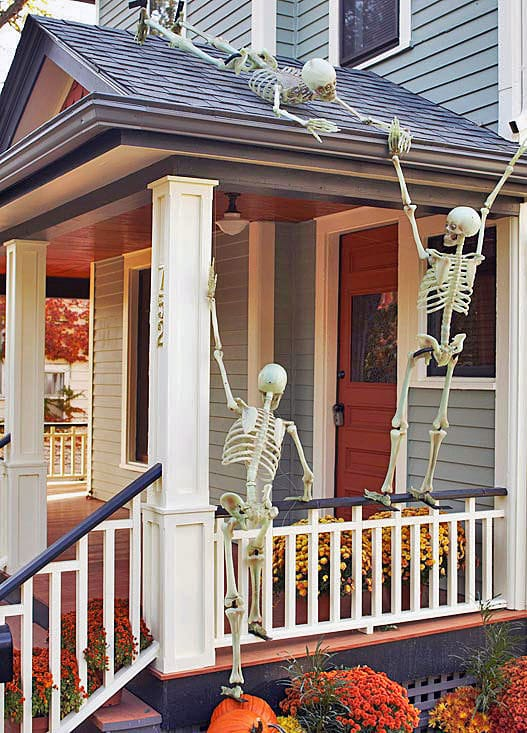 Skeleton Rooftop Halloween Porch Decorations