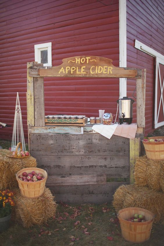 Hot Apple Cider Bar | Fall Festival Party Ideas