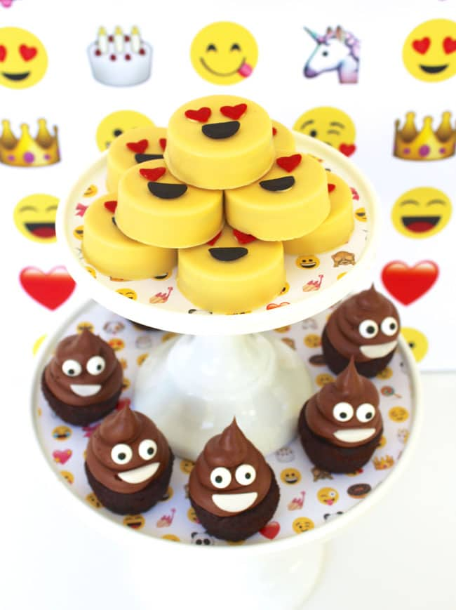 EmAwesome Emoji Themed 11th Birthday Party Desserts