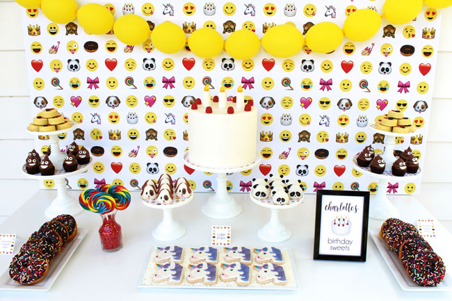Awesome Emoji Themed 11th Birthday Party Desserts