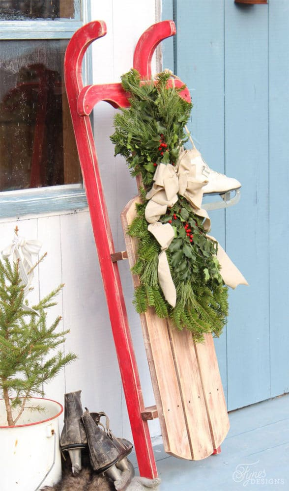 DIY Vintage Sled Decoration