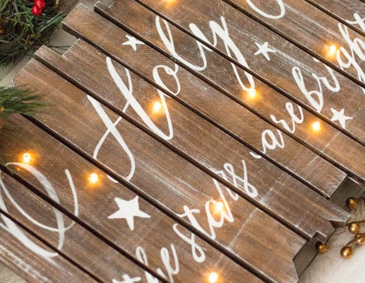 16 Utterly Perfect DIY Wood Christmas Decorations
