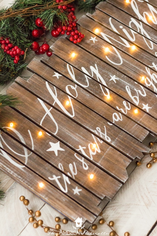 DIY Rustic Light Up Christmas Sign