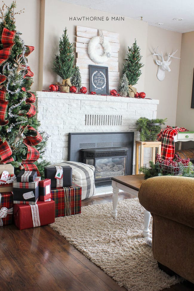 Rustic Plaid Holiday Fireplace Decor