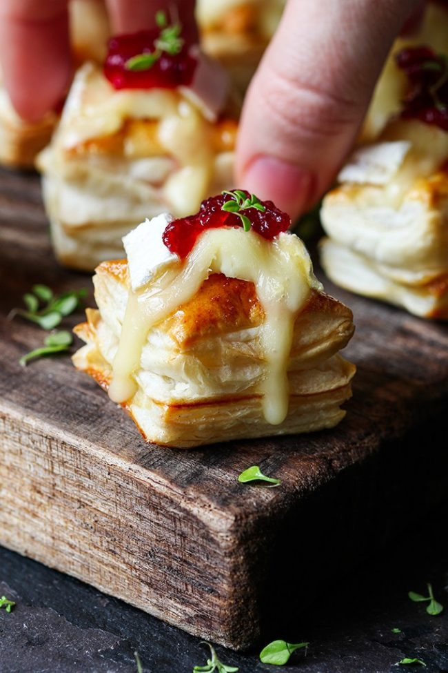 Cranberry & Brie Bites - Easy Christmas Appetizer Ideas
