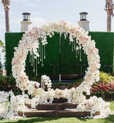 18 Circle Ceremony Arch Wedding Decoration Ideas