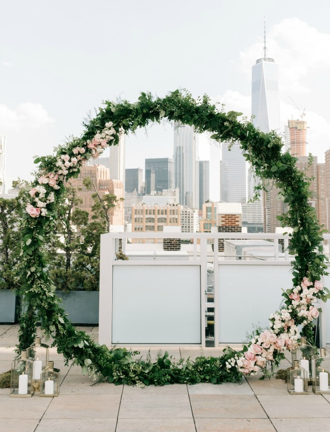 Wedding ceremony backdrop ideas - circle wreath arch