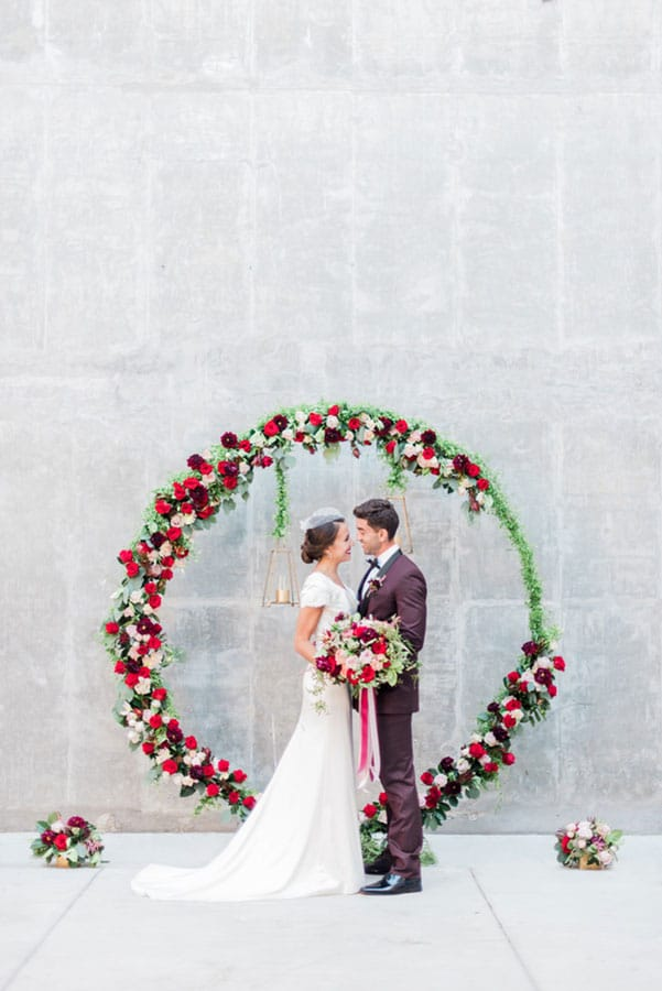 Wedding decor ideas - round ceremony arch