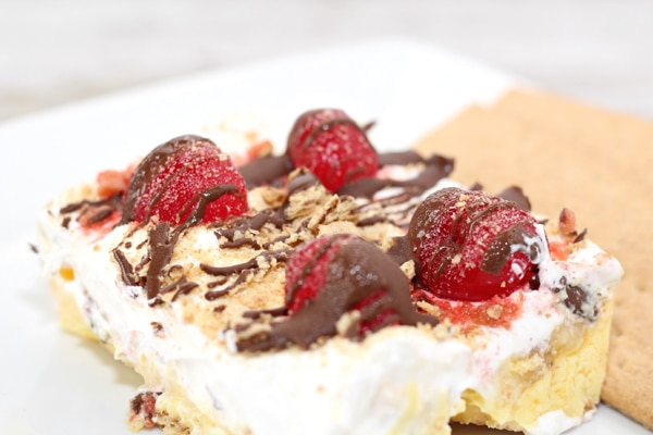 Banana Split Dessert - Pretty My Party