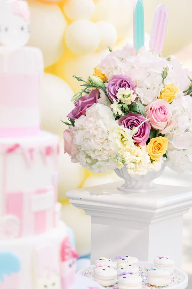 Hello Kitty Party Flower Centerpiece