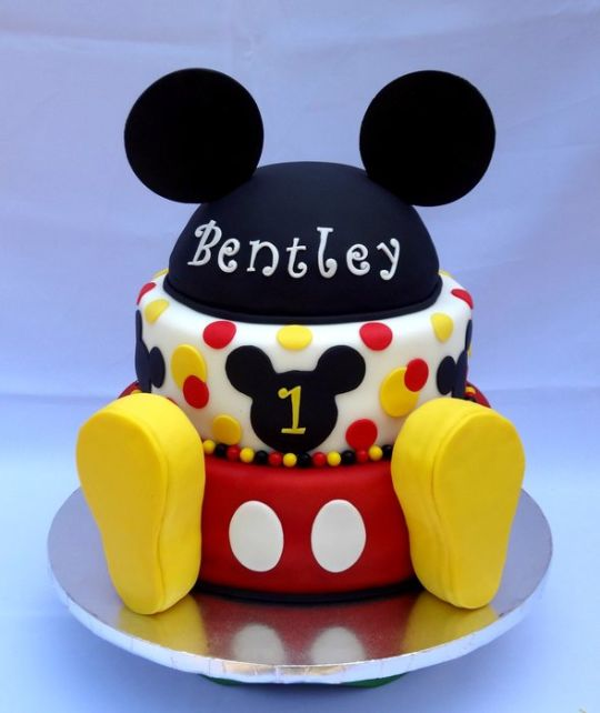 1st birthday party ideas for boys - Mickey Mouse