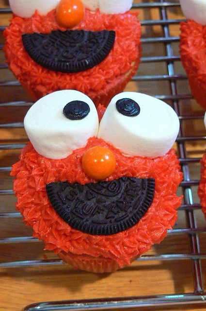 Elmo Cupcakes - Elmo Birthday Party Ideas