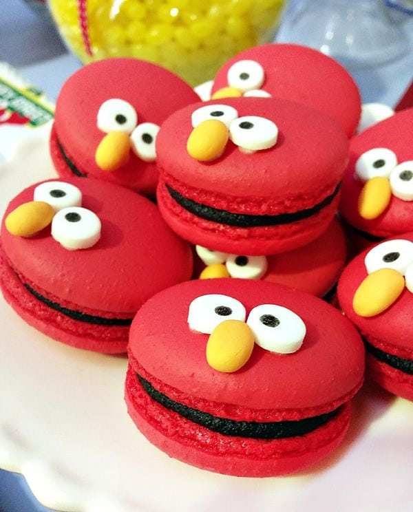 Elmo Macaroons - Elmo Party Ideas