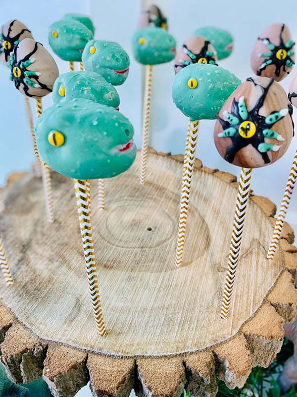 Fun Dinosaur Cake Pops