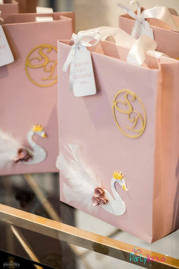 Swan Party Favors
