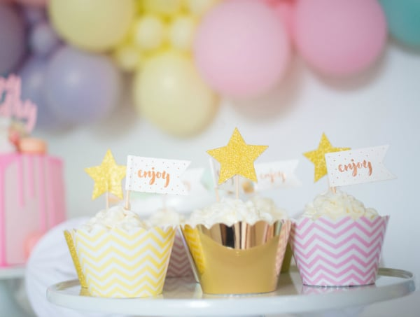 Pastel Balloon Party Cupcakes and Toppers