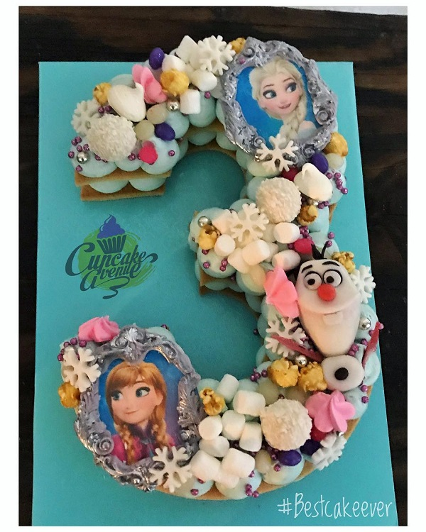 Disney Frozen Cookie Cake