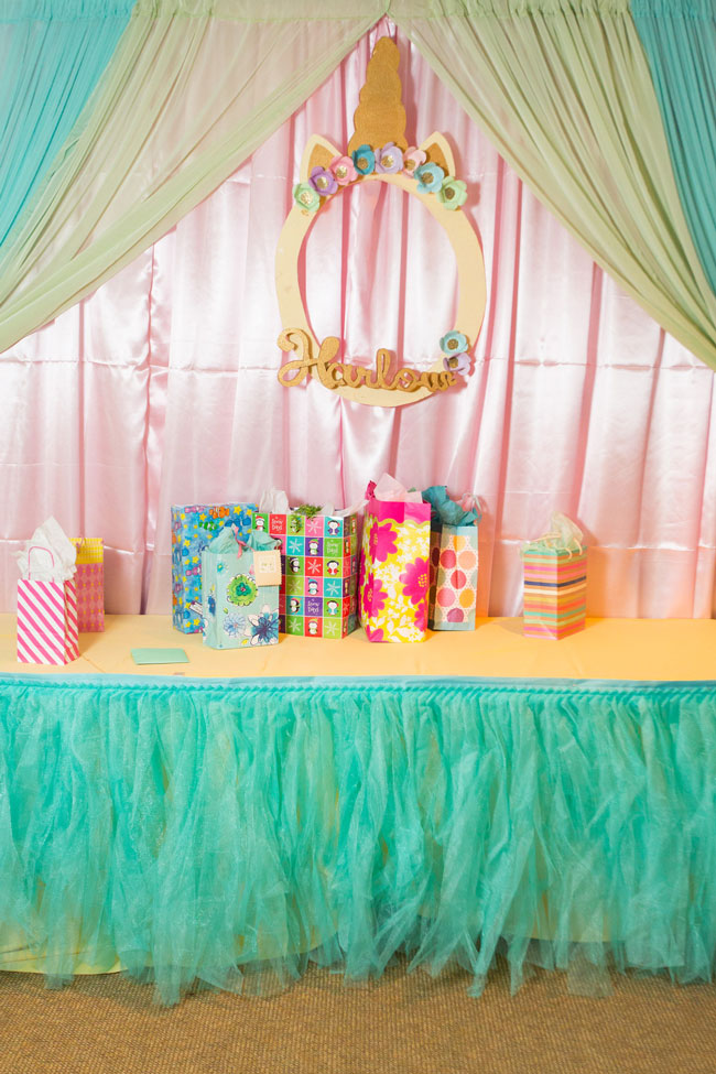 Unicorn Birthday Party Gift Table