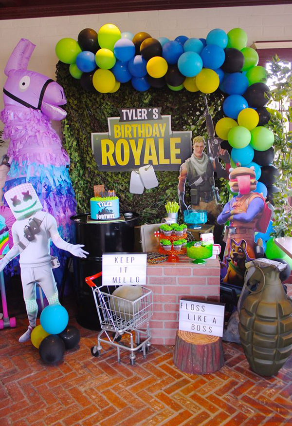 Fortnite Battle Royale Party Dessert Table
