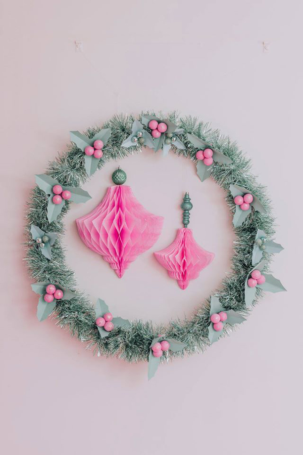 Holiday Wreath Party Decoration