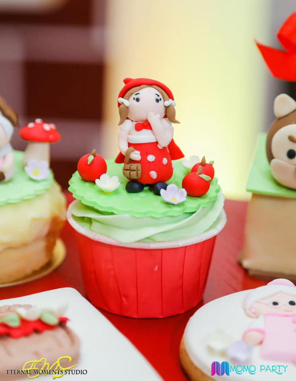 Little Red Riding Hood Cupcake Topper
